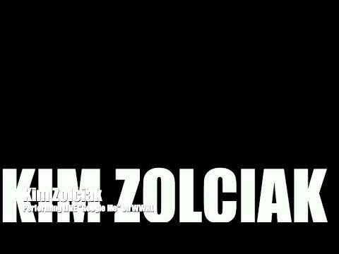 Kim Zolciak's First LIVE Performance of