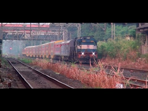 SUPERHIT Karmali Ltt Double Decker AC Special (Konkan Railway) speeding through Bhandup