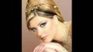 Arabic hair style and make up