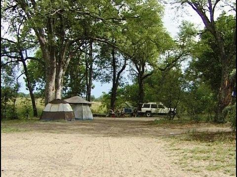 Xakanaxa Camping, Moremi Botswana. Travel guide.