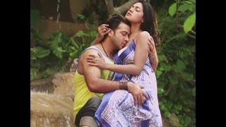 Shakib Khan and Tisha Romance In Mental Movie