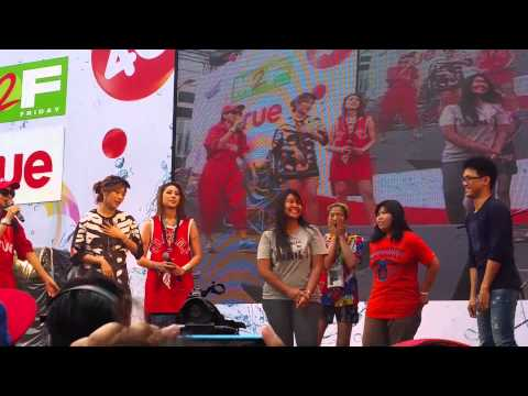[Fancam]150413 เอมน้ำ - เต้นกับแฟนคลับ @M2F Songkran Festival CTW