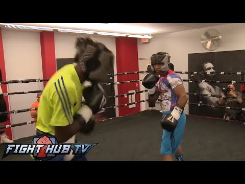 Terence Crawford vs. Yuriorkis Gamboa: Full Gamboa sparring session Image 1