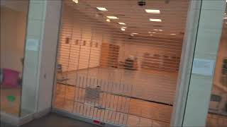 Music in an empty Mall (set to footage of an empty shopping centre)