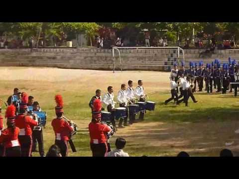 Demostracion de percusion de Lincoln Marching Brass y Cocodrilos Marching band en Apopa