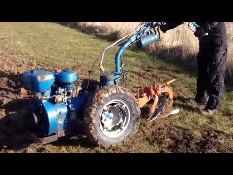 Nibbi AE 11 Two wheel tractor  Plowing  2016 0803