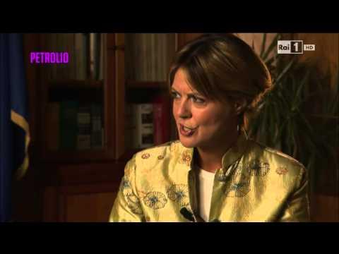 Ebola – Intervista a Beatrice Lorenzin (1^ parte) – Petrolio del 20/10/2014