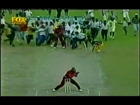 Top 10 Funniest Moments In Cricket History V2 video