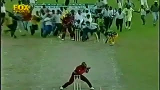Top 10 Funniest moments in cricket history v2