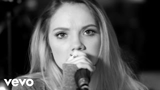 Danielle Bradbery - Me And My Broken Heart