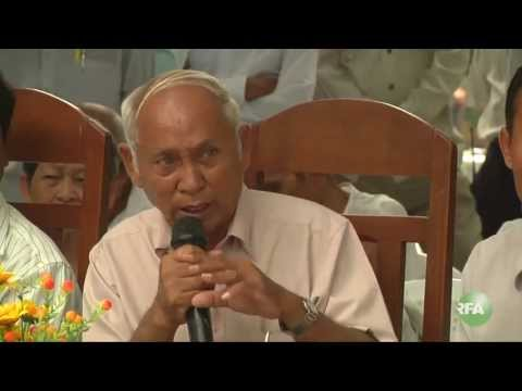 Former prisoners of Tuol Sleng demonstrations against Mr. Kem Sokha