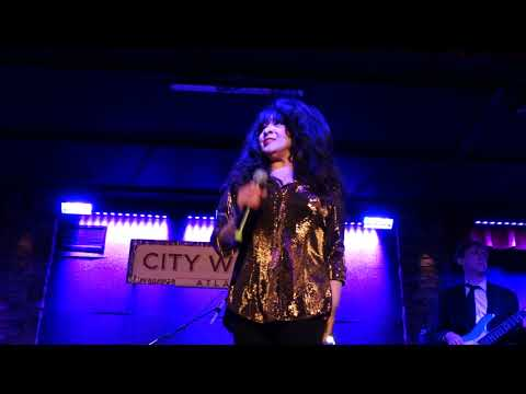 Ronnie Spector & the Ronettes - Don't Worry Baby