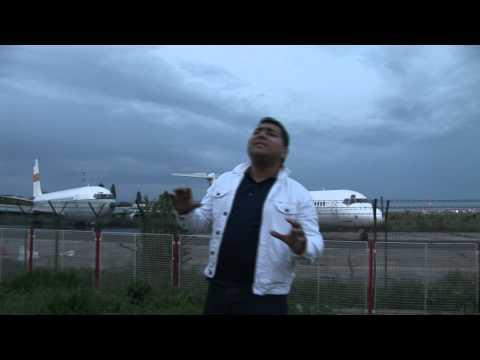 IAR SUNT LA AEROPORT (OFICIAL FULL HD)