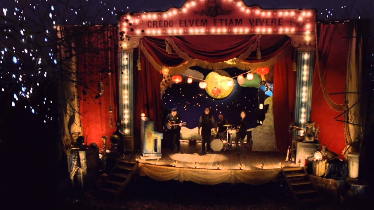 Coldplay - Christmas Lights - YouTube