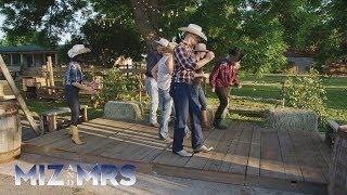 The Miz, Maryse and Marjo learn how to line dance and lasso like cowboys: Miz & Mrs., Aug. 28, 2018