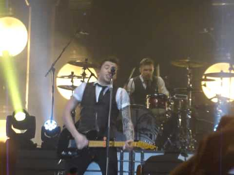 McFLY, Wembley Arena, London, The Heart Never lies