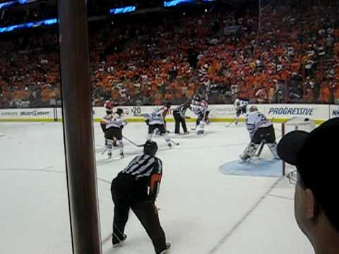 Jeff Carter Empty Netter and Flyers Win Game 4 2010 SCF