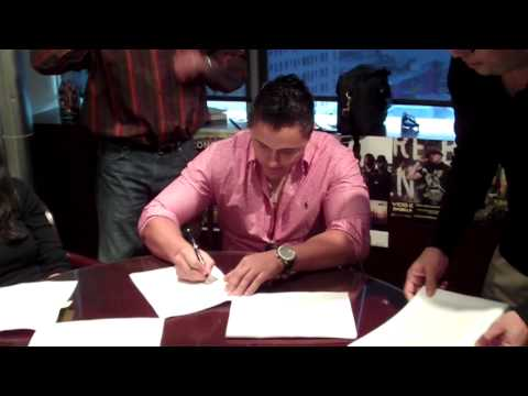 Joey Montana signs with Capitol Latin!!!