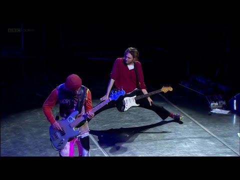 Red Hot Chili Peppers - Go Robot (Best Quality) - Live T in the Park Festival 2016 HD