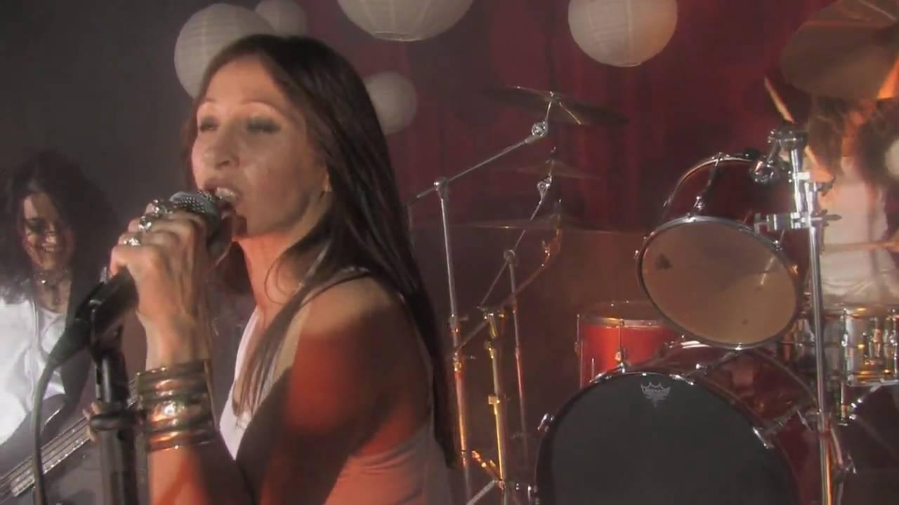German kinky female singer nude on stage in concert 2 4