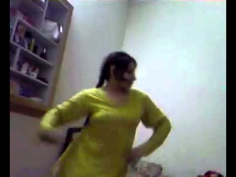Girls Hostel Room Dance of Lollywood song home made vdieo