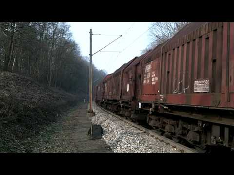 BR 185 DB Electric Locomotive with Freight Train