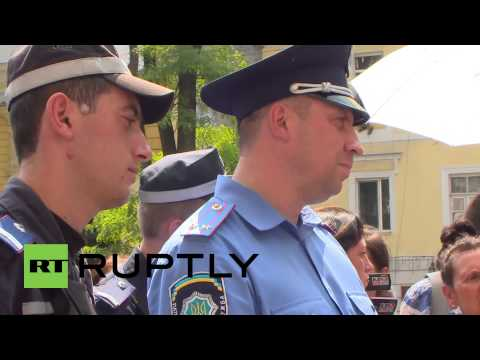 Ukraine: Right Sector call for resignation of the country's police chiefs