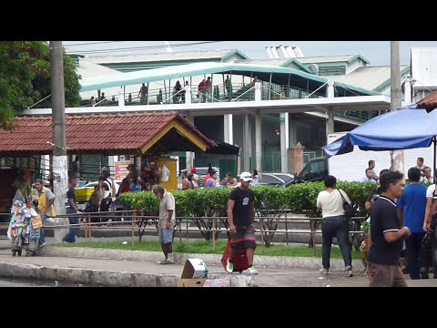 Manaus, Brazil - a walk near the harbor (video)