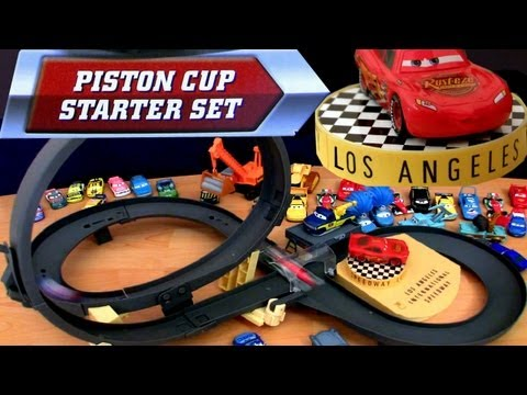 Piston Cup Starter Set speedway track Loop playset Cars 2 Disney Pixar Review by Blucollection