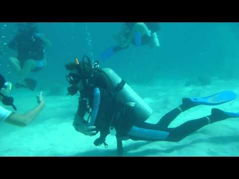 Jonny in dive training off Utila   Honduras   September 2014