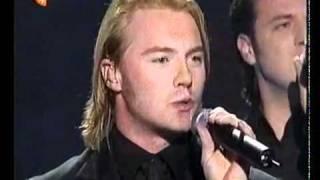 Download Lagu Words - Bee Gees & Boyzone Gratis STAFABAND