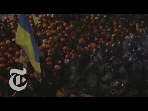 Ukraine Protests: Police Clash With Kiev Protesters | The New York Times