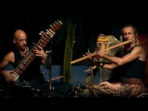 Avi Adir & Kristian Jyoti #1 (live concert Anjuna, GOA 2012)