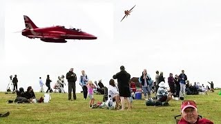 "Awesome Low Red Arrow Flybys Up Beachy Head. "" Eastbourne Airbourne """