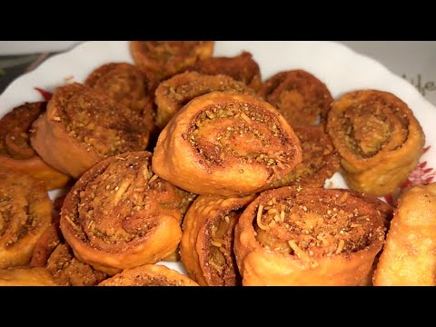 Bhakarwadi Recipe in Hindi | Maharashtrian Gujrati Crispy Snacks Recipe | Homemade Indian Snacks