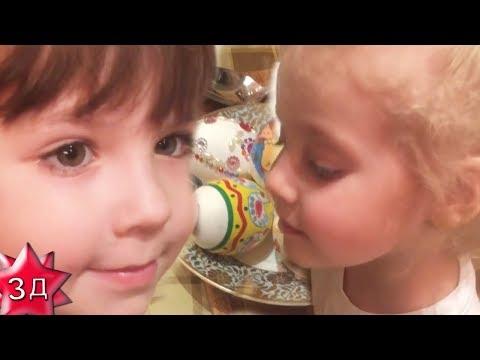 ГАРРИ И ЛИЗА ГАЛКИНЫ вместе с мамой АЛЛОЙ ПУГАЧЕВОЙ красят пасхальные яйца!