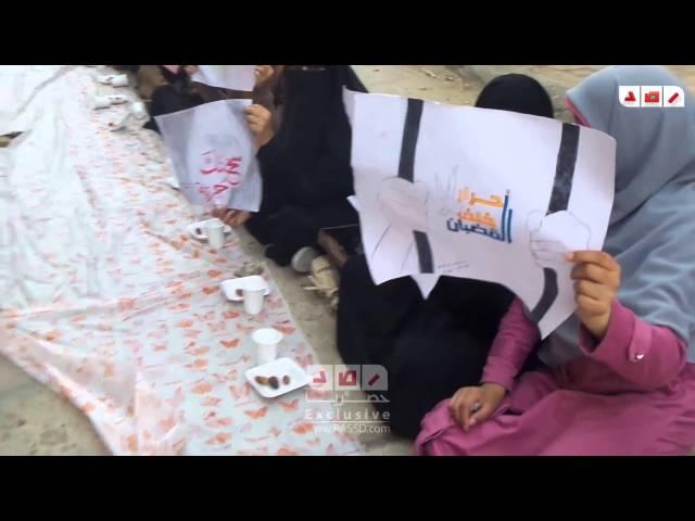 طالبات كلية الدراسات الإسلامية بالمنصورة بضربون عن الطعام تضامنا مع المعتقلين