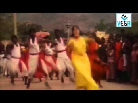 En Pondatti Nallava Movie Song -2