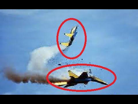 Two aerobatic planes crash at Malaysia 2015 practice session