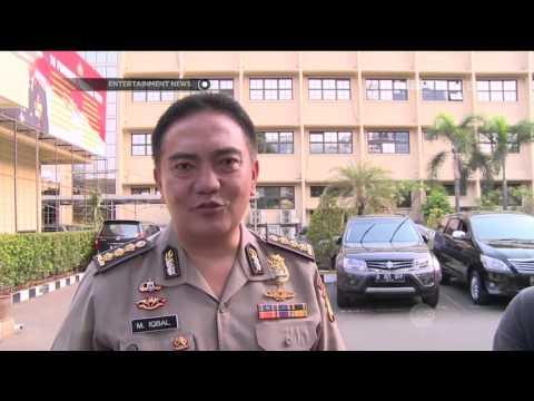 Farhat Abbas Serahkan Diri ke Polda Metro Jaya