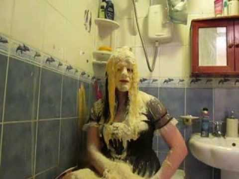 Transvestite Gunge   Davina The Diva's Messy Maid Birthday Gunging