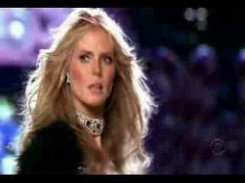Heidi Klum Victoria s Secret 2005 Fashion Show Part 2