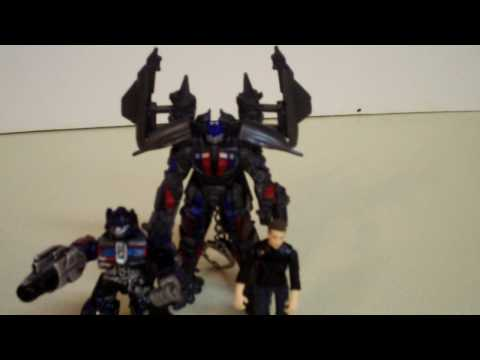 ROTF:Power Up Optimus Prime Keychain-Review