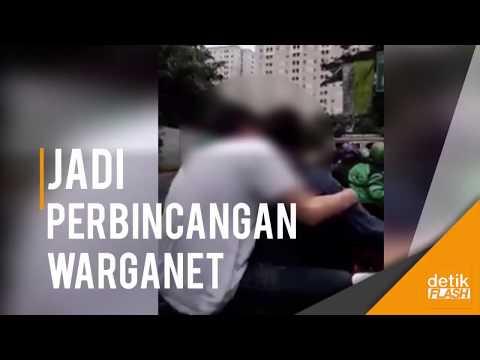 Video 2 Pria Bermesraan di Jalan Jadi Perbincangan di Medsos!