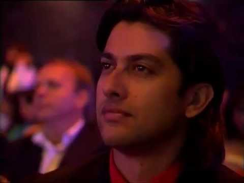 Salman Khan Performing at the IIFA Awards 2005 || HQ || Sallu...
