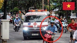 Người đàn ông thản nhiên cản đường xe ưu tiên // x2 Ho Chi Minh City Ambulances Responding