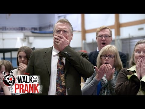 Trophy Presentation | Walk the Prank | Disney XD