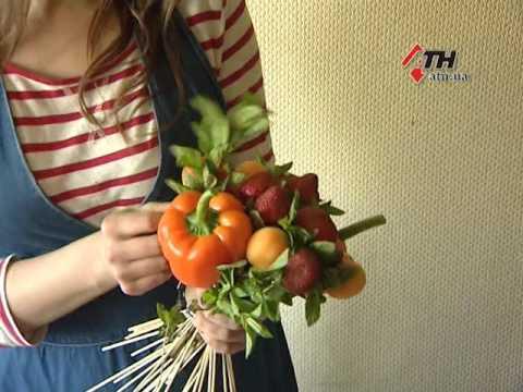 16.05.16 - Харьковчанка создает необычные букеты и фруктов и овощей