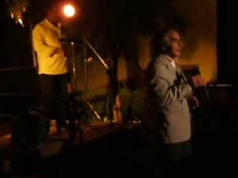 Manuel Jo�o Ferreira cantando com o P�blico - Verbenas no Pinheiro Grande