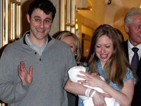 Raw: Chelsea Clinton and New Baby Head Home